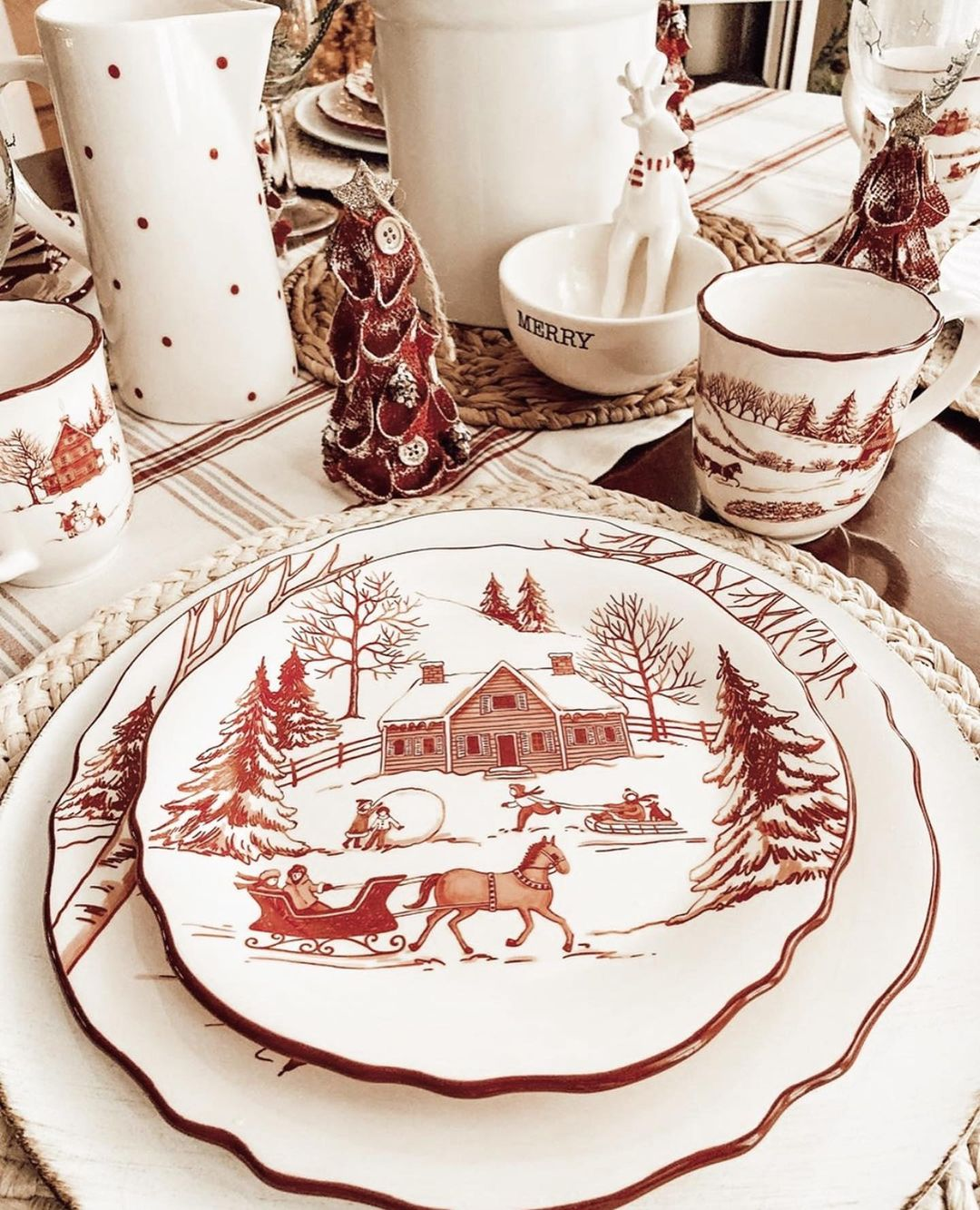 56 WONDERFUL AND CAREFUL CHRISTMAS TABLES Pictures 15