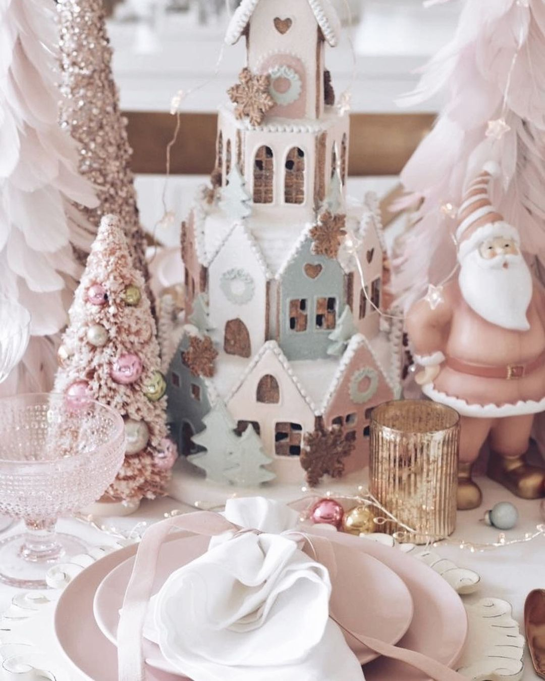 56 WONDERFUL AND CAREFUL CHRISTMAS TABLES Pictures 22