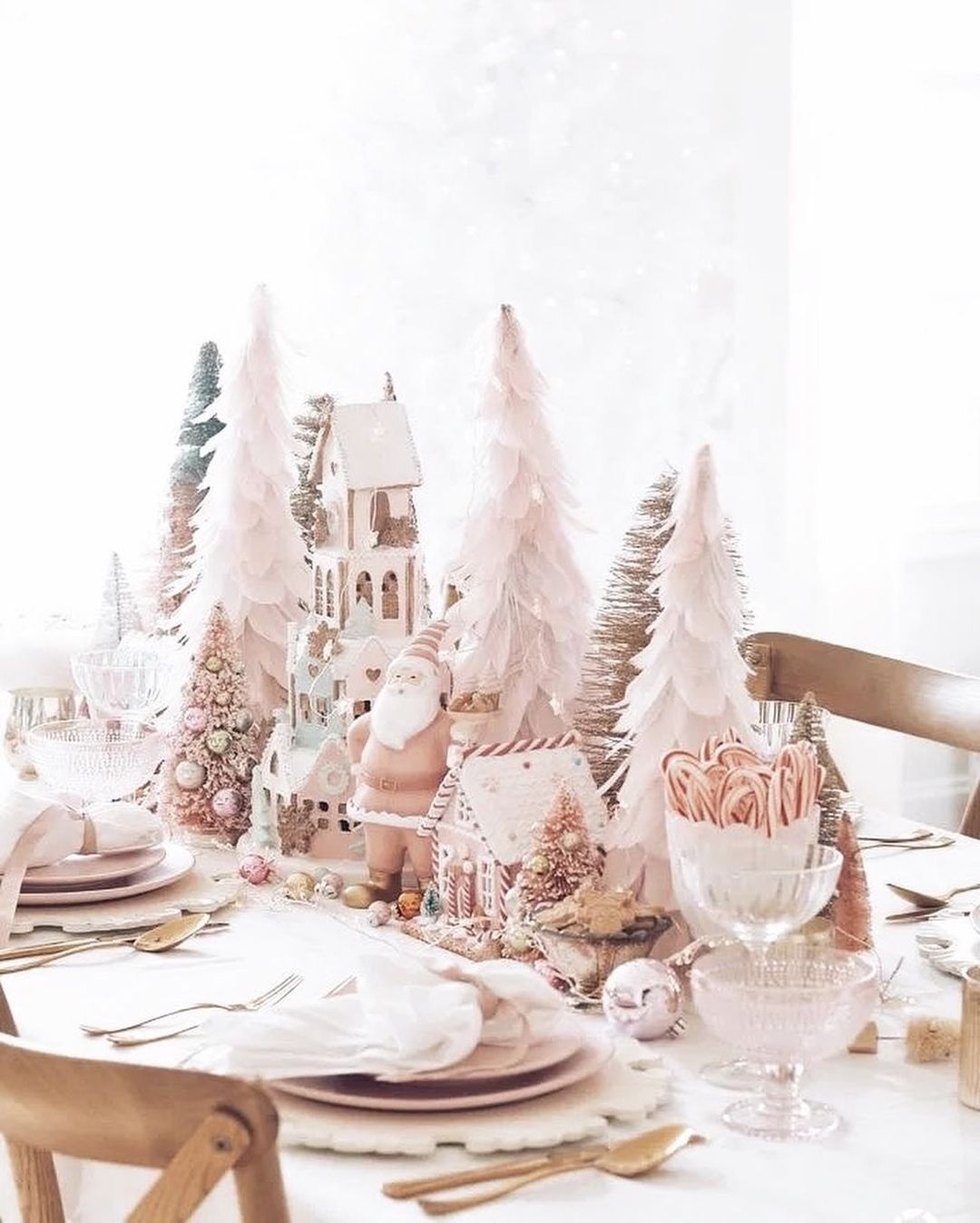 56 WONDERFUL AND CAREFUL CHRISTMAS TABLES Pictures 23