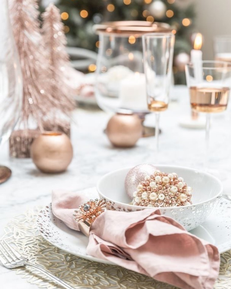 56 WONDERFUL AND CAREFUL CHRISTMAS TABLES Pictures 24