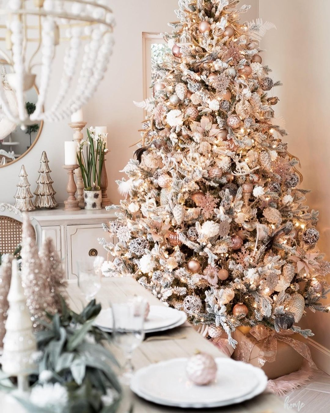 56 WONDERFUL AND CAREFUL CHRISTMAS TABLES Pictures 25