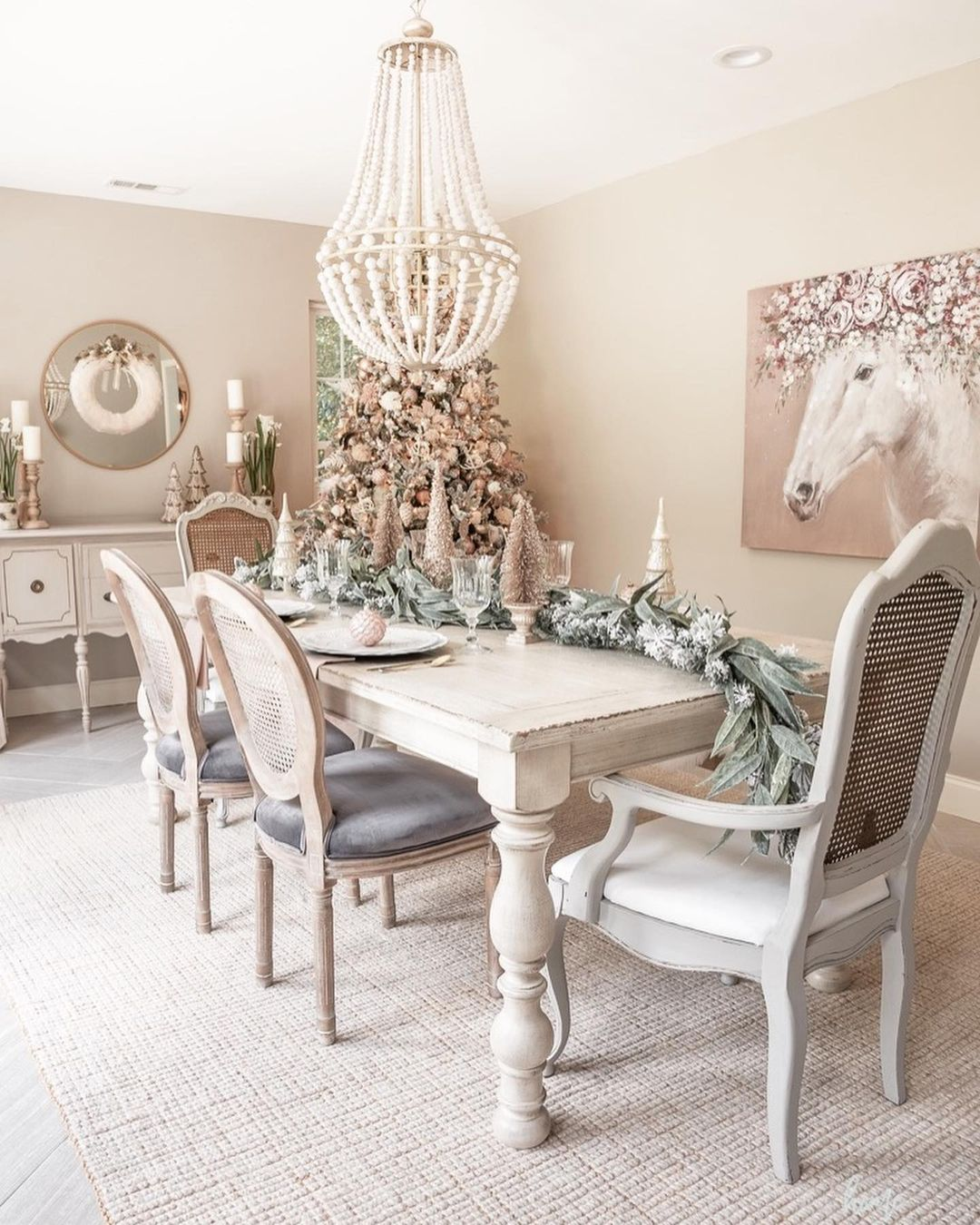 56 WONDERFUL AND CAREFUL CHRISTMAS TABLES Pictures 27