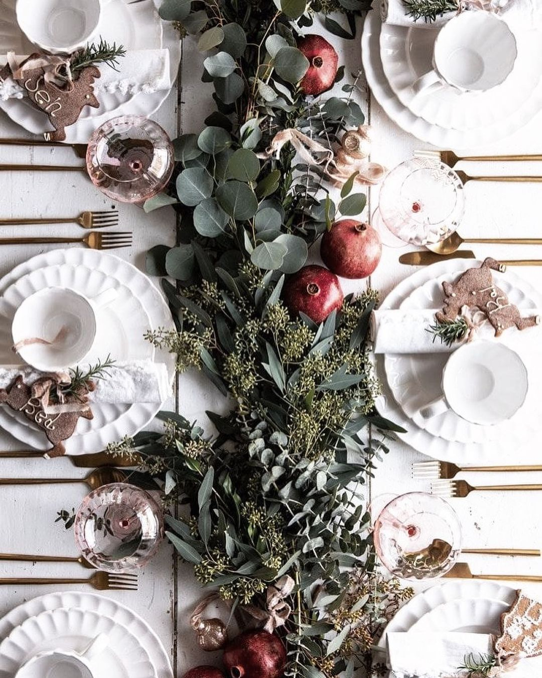 56 WONDERFUL AND CAREFUL CHRISTMAS TABLES Pictures 37