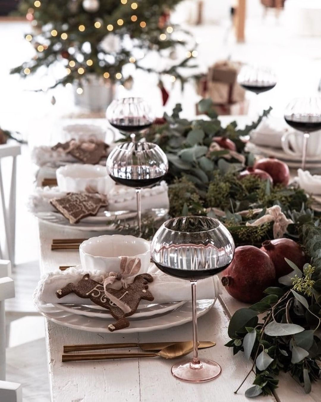 56 WONDERFUL AND CAREFUL CHRISTMAS TABLES Pictures 38