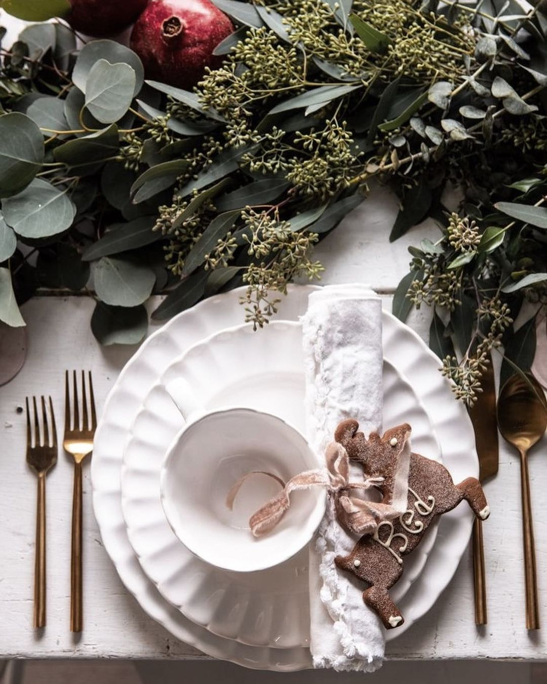 56 WONDERFUL AND CAREFUL CHRISTMAS TABLES Pictures 41