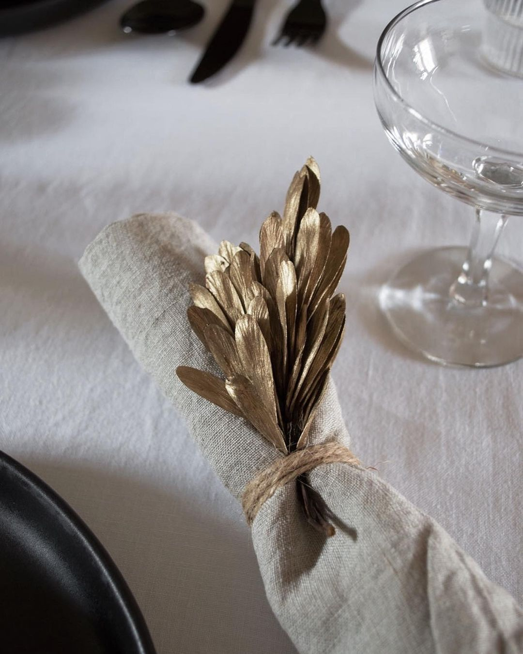 56 WONDERFUL AND CAREFUL CHRISTMAS TABLES Pictures 48