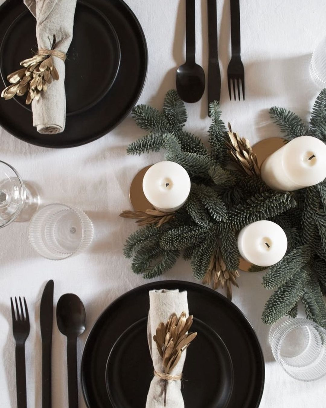 56 WONDERFUL AND CAREFUL CHRISTMAS TABLES Pictures 49