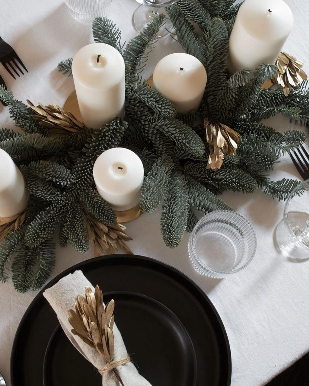 56 WONDERFUL AND CAREFUL CHRISTMAS TABLES Pictures 50