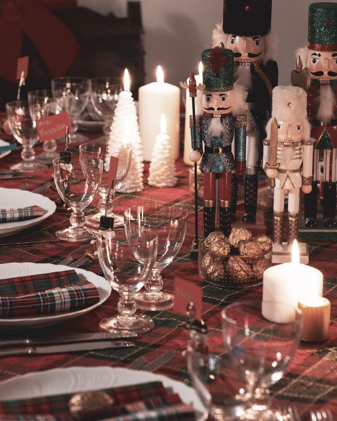 56 WONDERFUL AND CAREFUL CHRISTMAS TABLES Pictures 59