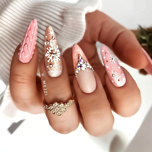 Best Nail Ideas for Christmas 2020 Picture 16