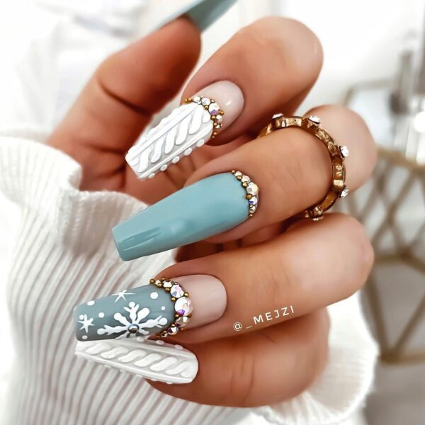 Best Nail Ideas for Christmas 2020 Picture 24