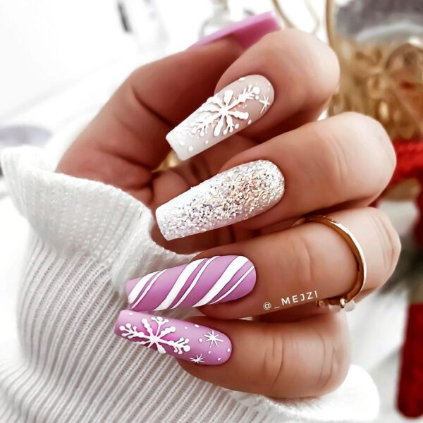 Best Nail Ideas for Christmas 2020 Picture 37