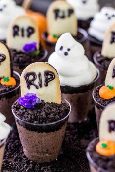 Halloween Only Cupcake Models 2020 10