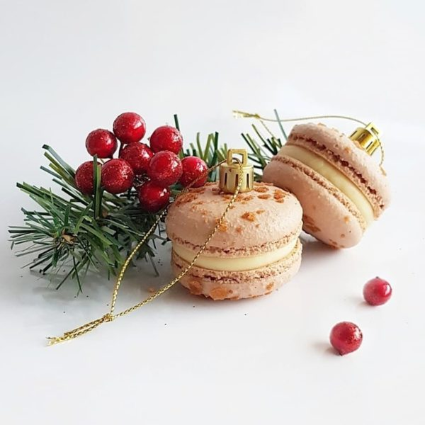 Small Desserts Made With Love and Macaron 313