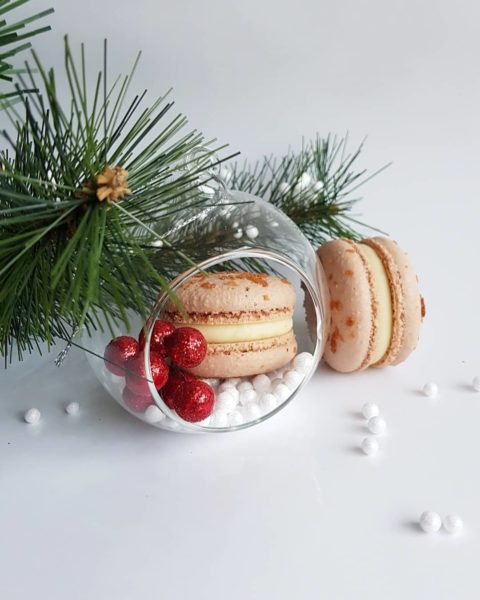 Small Desserts Made With Love and Macaron 314