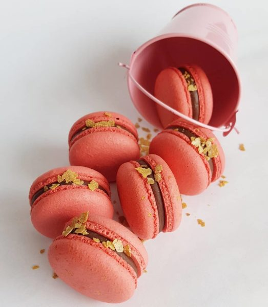 Small Desserts Made With Love and Macaron 404