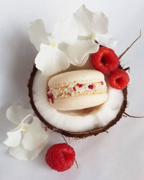 Small Desserts Made With Love and Macaron 422