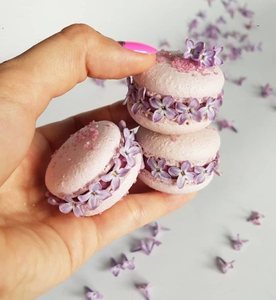 Small Desserts Made With Love and Macaron 458